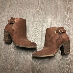 Lucky Brand Brown Suede Heeled Ankle Booties EUC